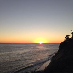 Mais um pôr do sol de ontem dessa vez no Pacífico! #malasepanelas #MPnaCalifornia #pordosol #pacifico #sunset #viagem #viagememfamilia #santabarbara #california #travelgram #fotodeviagem
