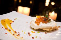 iDesignMe_FINGERS - #Cheesecake di #Tofu con #Ikura, salsa di #mango e #caviale di #bottarga #Taste of #Milano 2013: #Food #Loves #Design http://idesignme.eu/2013/05/taste-of-milano-2013-food-loves-design/ #italianFood #amazing #gorgonzola #cheese #white #foodporn #Italy #EventsMilan