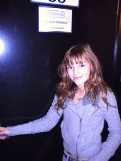 bella thorne wizards of waverly place photos | Bella On The Set Of Wizards Of Waverly Place - Bella Thorne Photo ...