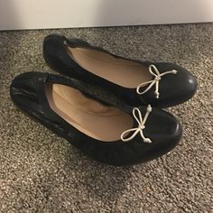 """J.Crew Ava Ballet Flats 8 1/2 Up for sale are brand new black J.Crew Ava ballet flats in size 8 1/2. They are classic ballet flats with elastic around the edges with a 5/16"""" heel; leather upper and lining; imported. J. Crew Shoes"""