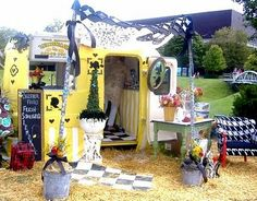 Quilted Nest Blog: Vintage Camper Love...