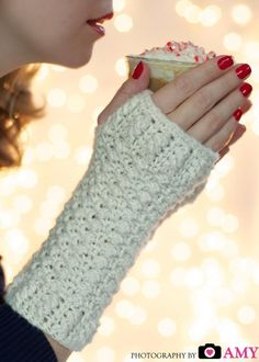 (4) Name: 'Crocheting :  Glamour Gloves