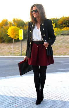 Fashion and Style Blog / Blog de Moda . Post: Burgundy / Burdeos .More pictures on/ Más fotos en : http://www.ohmylooks.com/?p=20003 .Llevo/I wear: Skirt : Oh My Looks Shop (info@ohmylooks.com) ; Shoes : Pilar Burgos (New Collection) ; Belt : Zara (old) ; Blouse : Zara (old) ; Jacket : Zara (old) ; Bag : Zara (old) ; Sunglasses : Mango