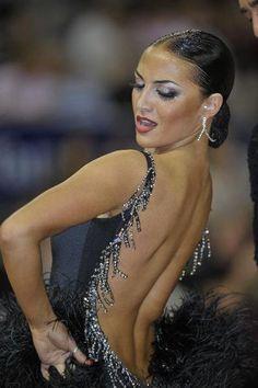 Her back is like water, so fluid...