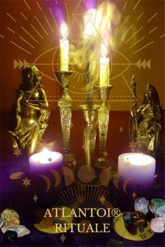 Der Alte Weg resultiert aus einer relativ modernen Interpretation uralter Aufzeichnungen und zeigt durchaus Ähnlichkeiten mit den rituellen Gedanken und Gebräuchen, die sich aus den Zeiten, in denen noch Naturgottheiten verehrt wurden, erhalten haben. #Alter Weg, #Mysterium, #Ritual, #Natur, #Gottheit, #magisch, #Magie Samhain, Mabon, Beltane, Atlantis, Ceiling Lights, Candles, Chandelier, Home Decor, Spiritual