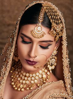 Bridal Jewelry Whatever the occasion: Shanjennbeauty is here to ensure your in the spotlight at every wedding event. Indian Bridal Makeup, Indian Wedding Jewelry, Bridal Jewelry, Bridal Hair, Pakistani Jewelry, Bridal Looks, Bridal Style, Bridal Gallery, Wedding Makeup Artist
