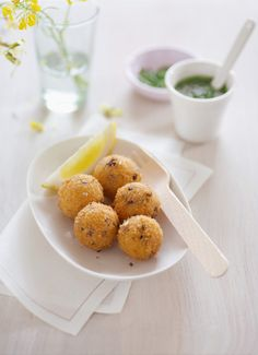 Polenta balls with rocket salsa (recipe that didn't make it into Yotam Ottolenghi's Plenty) #polenta | softer polenta with olives, chives and feta tastes great as a side too