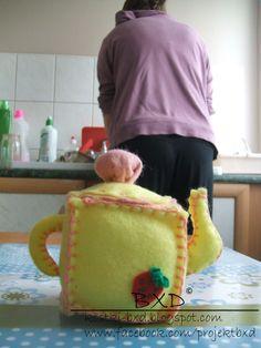 Teapot - felt cube by ~nezstorm