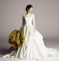 ae45d35622201 Olivia シンプルなビスチェに ハンドタッキングが施された 高級感のあるスカート