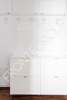 Vă prezentăm un apartament pentru un stil de viață modern și minimalist – un mobilier în linii simple, camere neîncărcate de mobilă, aerisite, spații de…