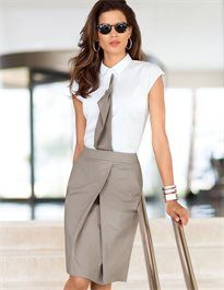 Business skirt with box pleat Business Outfits, Business Attire, Office Outfits, Twin Outfits, Cool Outfits, Fashion Games, Fashion Outfits, Business Rock, Madeleine Fashion