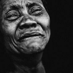 Impressive black and white portraits full of emotion by Lee Jeffries. Lee Jeffries lives in Manchester in the United Kingdom. Lee Jeffries, Black And White Portraits, Black And White Photography, B&w Tumblr, Face Wrinkles, Face Photography, Emotional Photography, Human Emotions, Interesting Faces