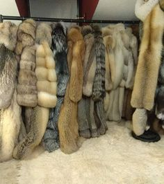 Long Fur Coat, Fox Coat, Fur Trade, Fabulous Furs, Cybergoth, Mohair Sweater, Fur Fashion, Fox Fur, Mantel