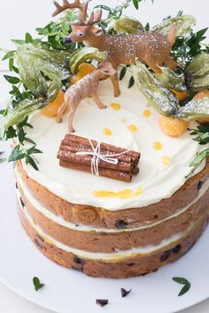 Holiday Desserts, Holiday Treats, Rustic Food Photography, Woodland Cake, Fondant, Dream Cake, Food Platters, Something Sweet, Delicious Desserts