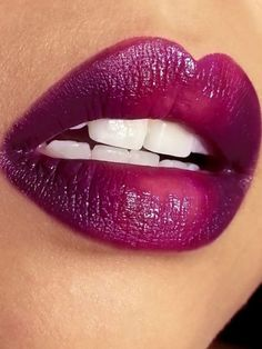 Deep ombre berry-plum lips - This fashion