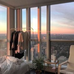 Ideas for apartment goals view Apartment Goals, Dream Apartment, Seoul Apartment, Apartment View, City Apartment Decor, New York City Apartment, Apartment Living, Living Rooms, City Aesthetic