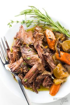 The BEST slow cooker pot roast! Includes how to choose the cut of meat for pot roast, prep tips, freezing pot roast, & an easy pot roast slow cooker recipe. Crock Pot Chuck Roast, Chuck Roast Recipes, Pot Roast Recipes, Keto Recipes, Healthy Pot Roast, Easy Pot Roast, Pressure Cooker Roast, Slow Cooker Roast, Slow Cooker Recipe Videos