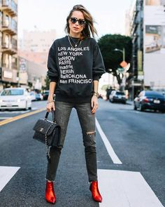 Jean On Jean Outfit Gallery 8 skinny jean outfits that are easy to put together who Jean On Jean Outfit. Here is Jean On Jean Outfit Gallery for you. Jean On Jean Outfit 6 stylish ways to make your jean outfits look very Jean On. Outfit Jeans, Superenge Jeans, Jean Jacket Outfits, Style Casual, Casual Chic, My Style, Ripped Jeggings, Ripped Skinny Jeans, Outfits With Skinny Jeans