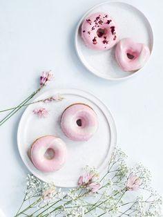 Strawberry Donuts with White Chocolate Glaze | Copenhagen Cakes, June 2015