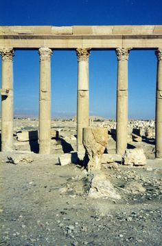 http://www.migladin.com/migtravel/Palmyra_1994_0405