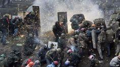 Ukraine crisis: Kiev tense after 'bloodiest' clashes