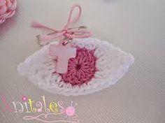 Knitales: I love your eyes Crochet Panda, Crochet Baby, Baptism Favors, Baptism Ideas, Crafts Beautiful, Macrame Bag, Diy Paper, Christening, Crochet Projects