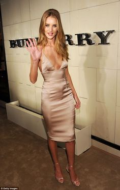 Rosie-Huntington-Whiteley http://www.alolalom.com