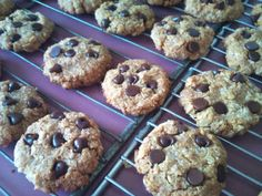 Quinoa peanut butter chocolate chip cookies