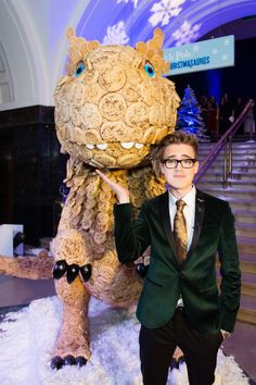 Calling all crumpet fans – time to get yourself to Manchester or Bristol where you can marvel over an eight-foot dinosaur made out of Warburton's giant crumpets.  Yes, you read that correct, and it's all thanks to McFly's Tom Fletcher, whose new book The Christmasaurus features mischievous Elves who enjoy nothing more than a toasted crumpet at teatime.