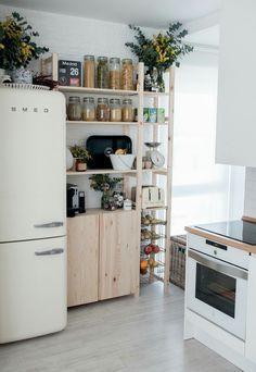 Plantas y adornos para cocina. pinterest// abbyparrishh