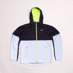 Nike Zip Up reflective jacket Nike Zip Up, Nike Jacket, Beats, Zip Ups, Mens Fashion, My Style, Casual, Jackets, Closet