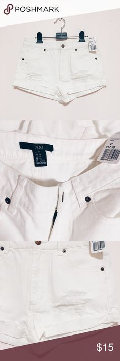 F21 white Denim distressed shorts Forever 21 // Size: 27 // Color: white // NWT // White distressed shorts Forever 21 Shorts Jean Shorts