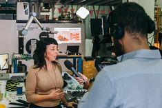 Entrevistamos a Zoe Romano, craftivista, artesana y estratega digital · Tendencias.tv Young Designers, Tv, Charging Bull, New Class, Consumerism, Social Skills, Romans, Interview, Television Set