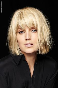 Choppy and Wavy Lob - 60 Inspiring Long Bob Hairstyles and Long Bob Haircuts for 2019 - The Trending Hairstyle Haircut Trends 2017, Hair Trends, Hot Hair Styles, Medium Hair Styles, Medium Blonde Hair, Blonde Bob With Bangs, Bob Bangs, Short Blonde, Trending Haircuts