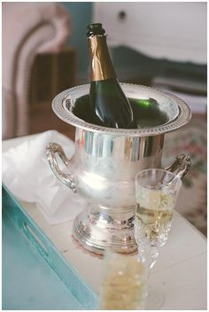 A glass of champagne keeps me happy all day #bubbly