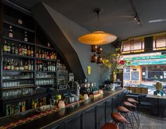 De Vergulde Gaper, housed in a former drugstore, offers a casual atmosphere to enjoy a good meal or a few drinks with friends.