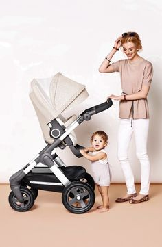 Stokke brings you a breezy summer kit to keep baby cool and sheltered while strolling in warm weather. The sun sail and hood feature built-in UPF 50+ sun protection and look pretty while shielding your little one from sunny rays. The kit also includes a soft terry-cloth pram seat liner to wick away baby's sweat, while the rear-vented canopy lets in cooling breezes.