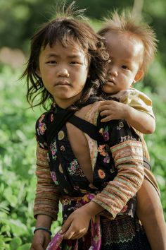 Vietnam. Rehahn_photography. Young children Hmong.