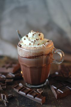Hot cocoa--chocolate topped with whipped cream. Café Chocolate, Chocolate Heaven, Chocolate Desserts, Food Photography, Sweet Treats, Food Porn, Food And Drink, Yummy Food, Favorite Recipes