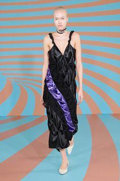 Kiko Kostadinov Fall 2020 Ready-to-Wear Fashion Show - Vogue High Fashion, Fashion Show, Fashion Trends, London Fashion, Backstage, Vogue, Models, Catwalk, Ready To Wear