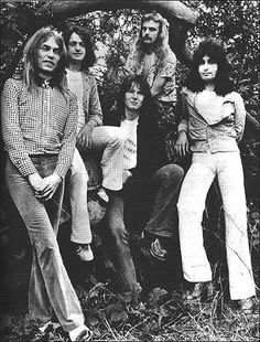 Yes - The Relayer lineup (1974)  with Patrick Moraz (Right)  replacing Rick Wakeman on the Keyboards. Right to Left: Patrick to Moraz, Alan White,  Chris Squire, Jon Anderson, Steve Howe