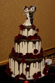 This chocolate blood wedding cake is sweet death #cake #skull #rebel #rebelcircus #chocolate #wedding