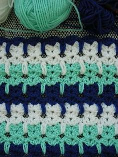 Ravelry:Abstract Crochet Cats pattern not to mention it would make a great baby blanket! ✿Teresa Restegui http://www.pinterest.com/teretegui/✿ #crochetstitches