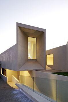 Gonzalo Mardones Arquitecto - Casa de Marcelo Ríos en Valle Escondido, Santiago de Chile