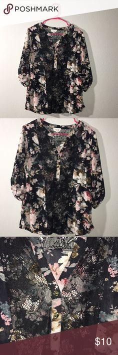 c5ff2a24a48 Womens 1X blouse Women s 1X black floral blouse with black lace detailing.  Used