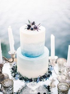It's time to start thinking about Winter wedding inspiration. What could be more perfect than a gold and icy blue wedding colour palette? The magical blue shade fits in with the season effortlessly, while the gold accents add a dash of glamour.