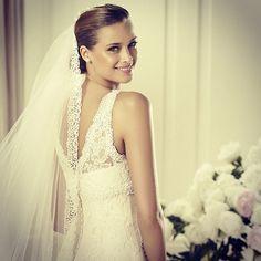 Veil me. #diango #headpiece #veil #accessory #lace #love #wedding #bride #tocado #peinado #velo #accesorio #encaje #novia #boda #penteado #acessorio #renda #amor #véu #noiva #casamento