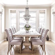 Absolutely adore this dining room