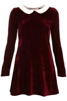 Red dress peter pan collar quay