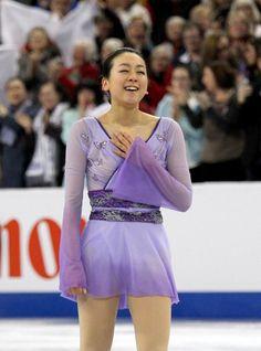 女子フリーの演技を終えホッとした表情の浅田真央 (800×1081) http://www.nikkansports.com/sports/figure/asada-mao/photo/article/1626200.html